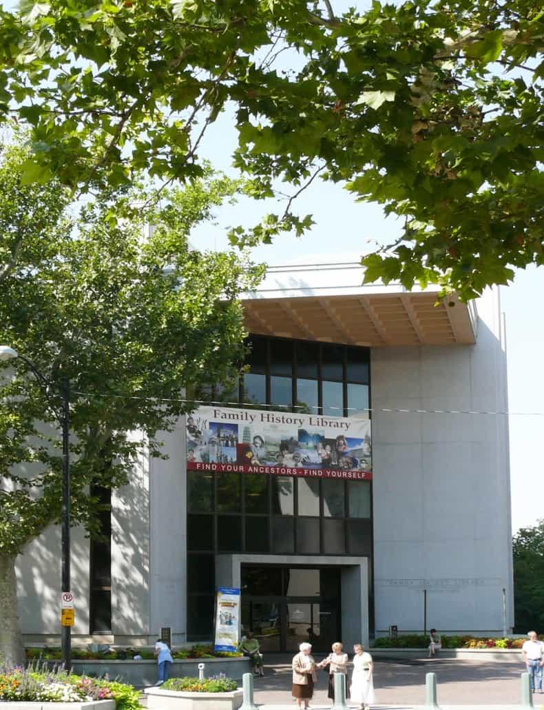 Der Eingang zur FamilySearch Library in Salt Lake City