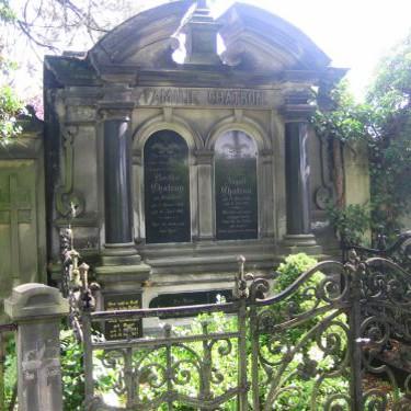 Zerstörung von historischen Grabdenkmälern auf dem Friedhof Berlin-Französisch Buchholz