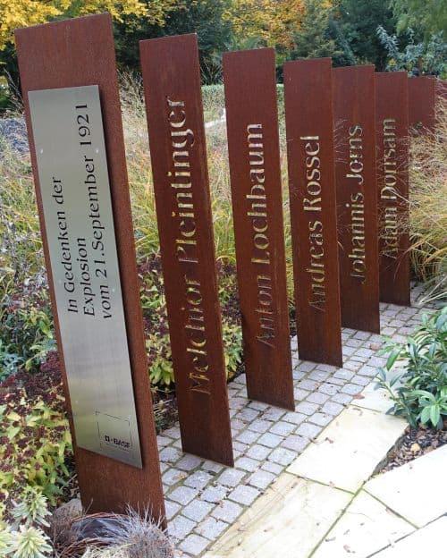 Vorbildlich: Ludwigshafens Friedhofsverwaltung informiert über das Grabstein-Projekt