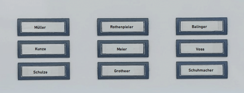 Nachnamen an Türklingel (Symbolbild)